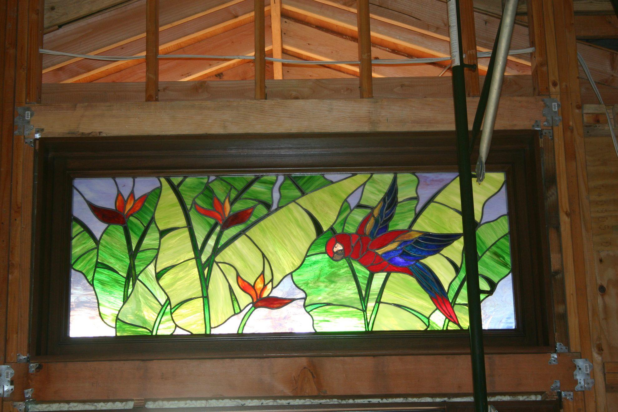 15.parrot.transom