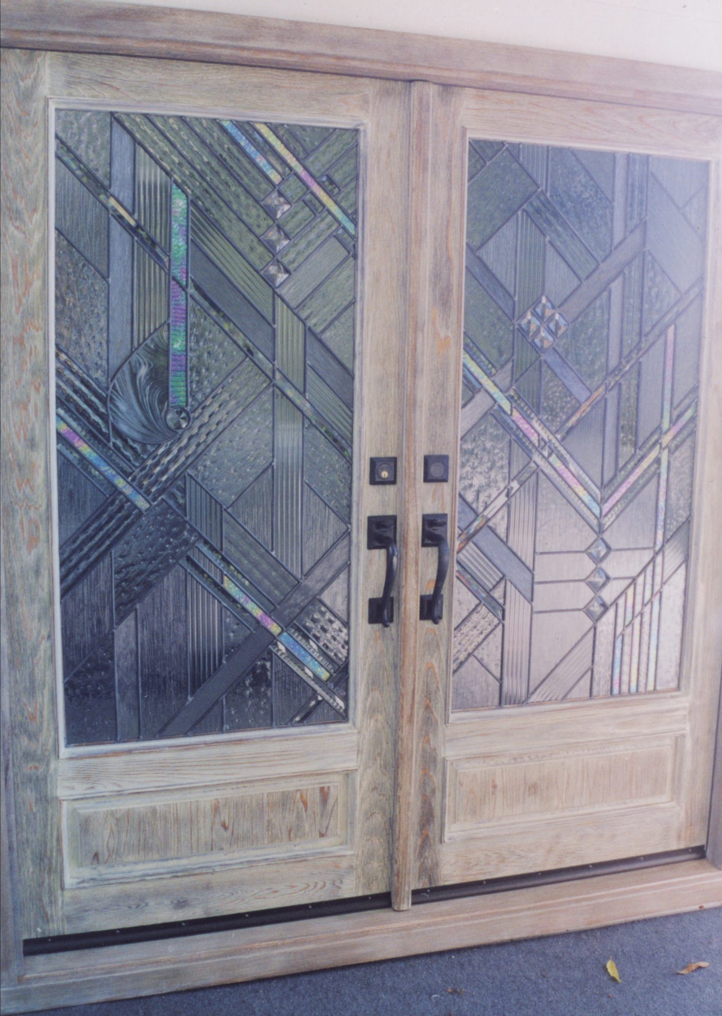 51.contemporary.leaded.glass